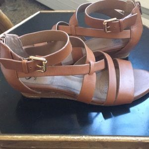 Sofft gladiator style cross strap sandals